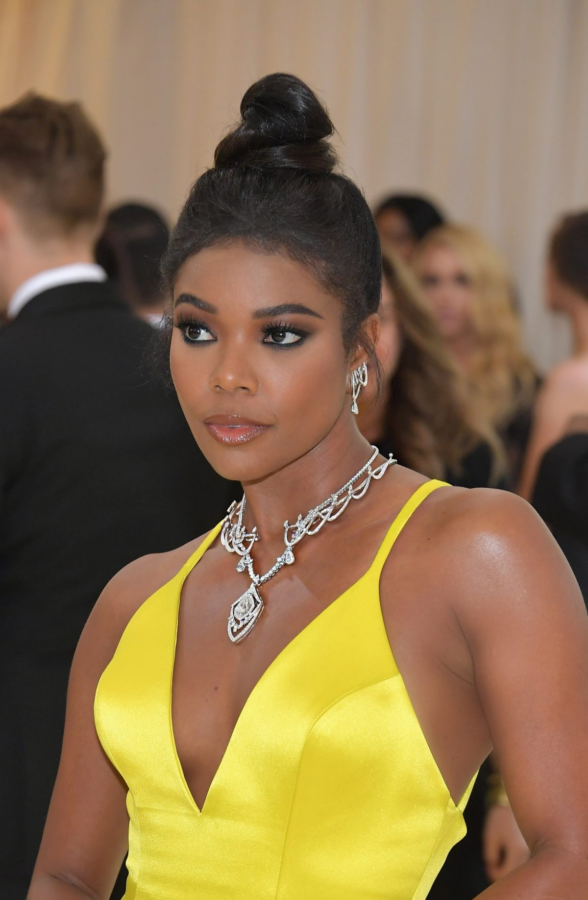 The Trick To Gabrielle Union's Soft Smoky Eye